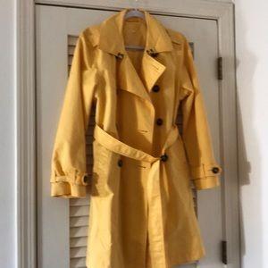 L.L. Bean yellow raincoat, size M.